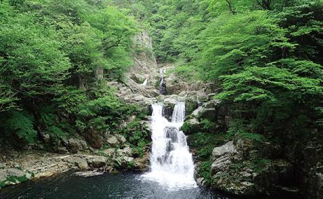 三段滝のイメージ写真